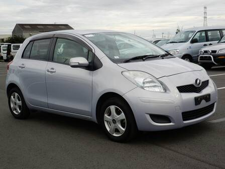 TOYOTA VITZ (YARIS) F LTD