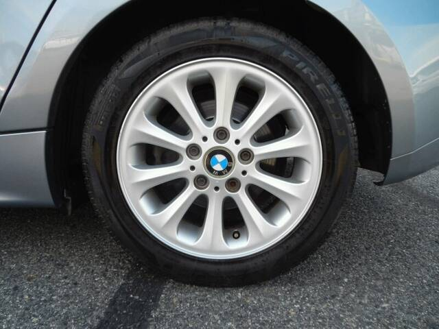 2005 bmw 116i 1 series only 88 000 km run flat tires. Black Bedroom Furniture Sets. Home Design Ideas